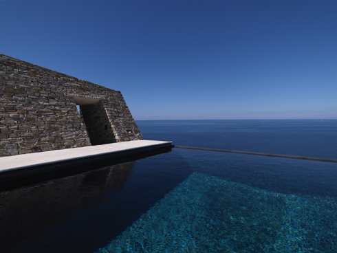 Cliffhanger, Antiparos  - Elle Decoration Feature No 111 Aug/Sep 2010